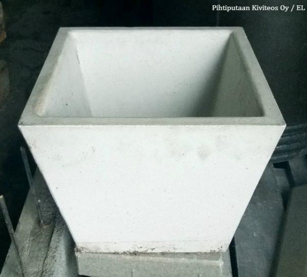 Valkoinen suorakaideruukku
