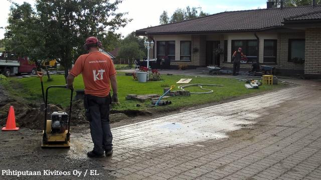 Betonikiveyksen korjaaminen - tärytys