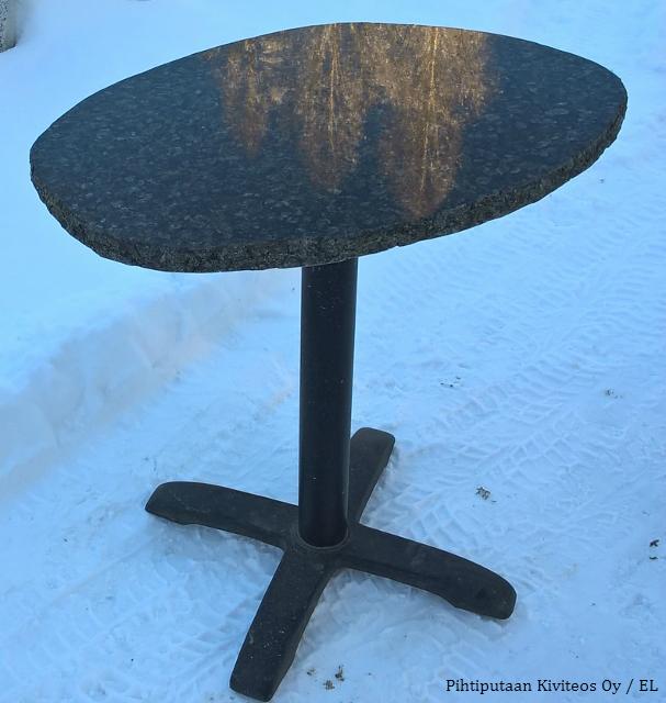 kivipöytä