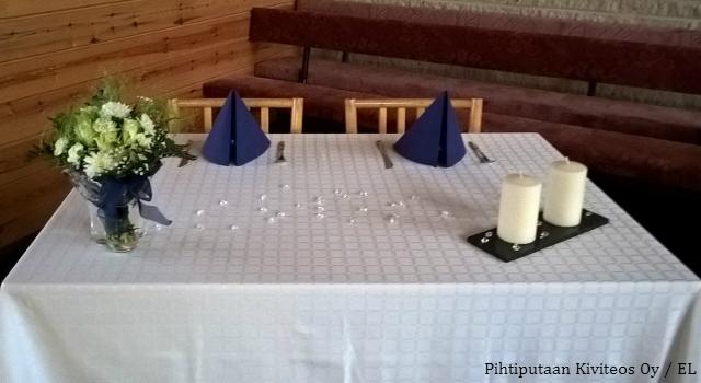 Hääparin pöytä
